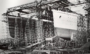titanic-being-built